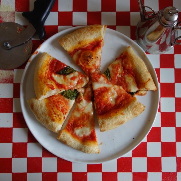 Pizza margherita en parts Nonna Lucia